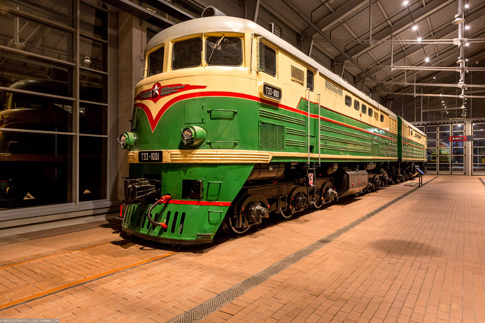30.  Тепловоз «ТЭ3-1001»  был построен Коломенским заводом в 1956 году и стал первым