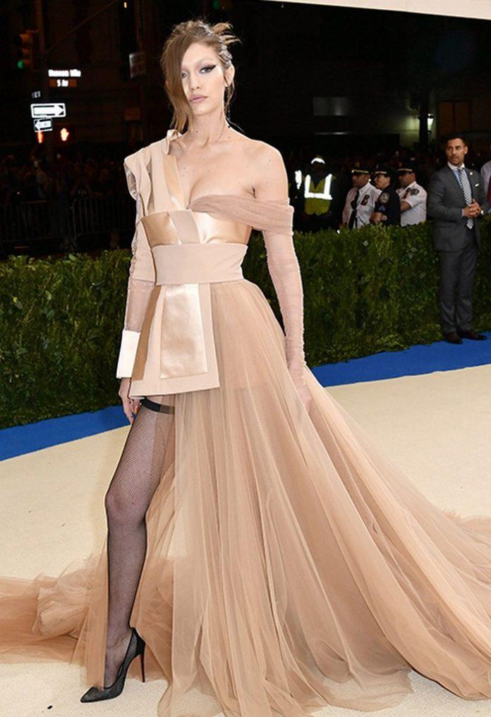 Платье принцессы, которое выбрала Зендая