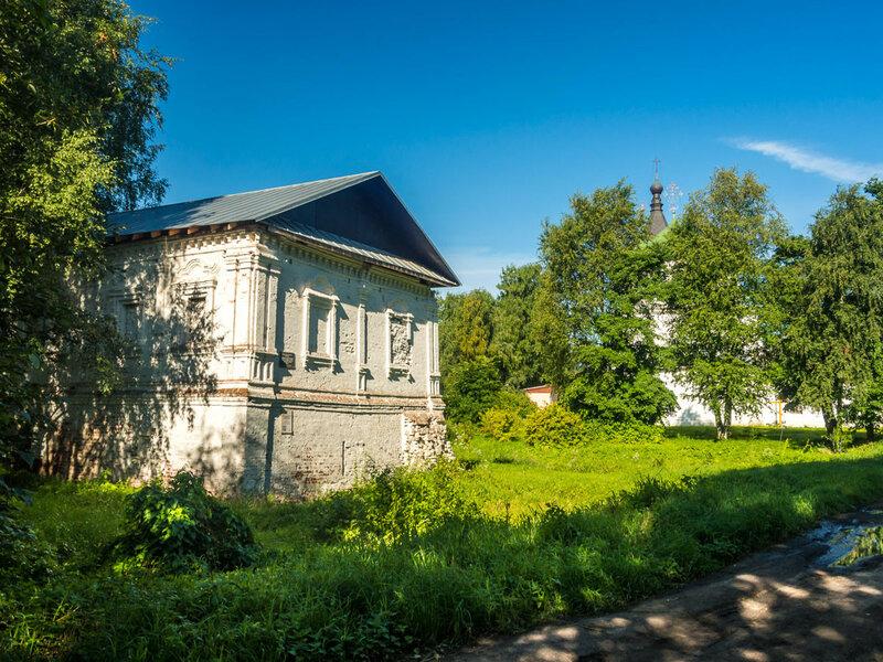Церковь Алексия человека Божия, оставшаяся от Горне-Успенского женского монастыря.