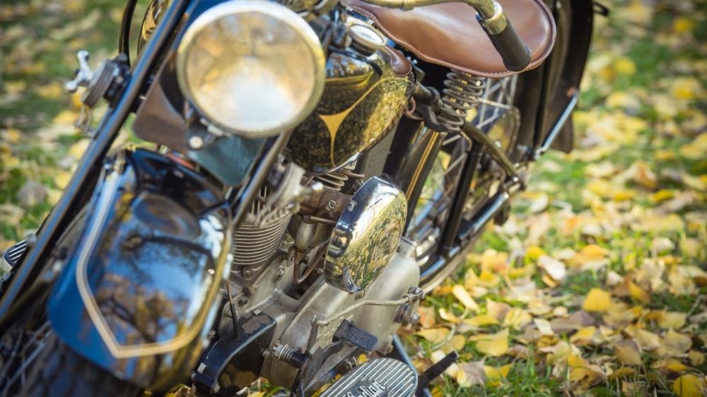 Старинный мотоцикл Indian Sport Scout Model 640 1940