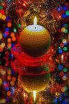 Новый год зажигает свечи...