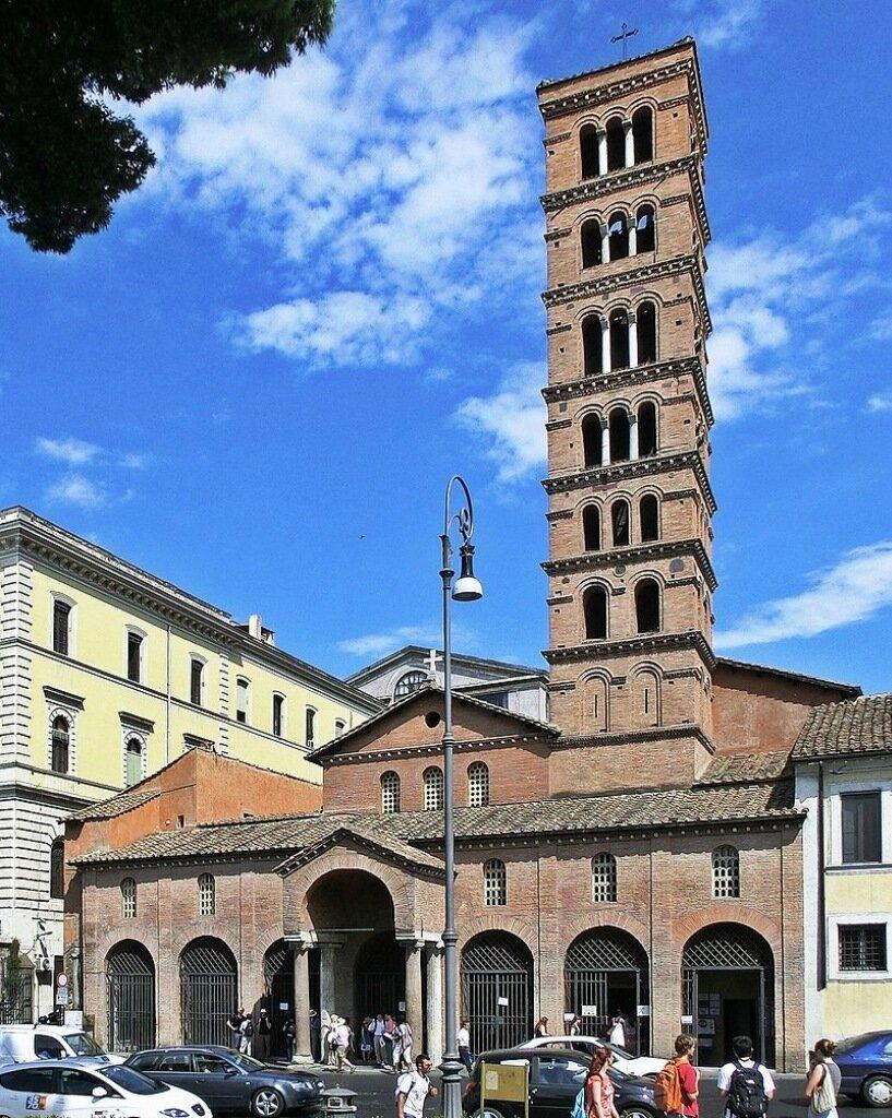 800px-Roma,_basilica_di_Santa_Maria_in_Cosmedin_-_Facciata.jpg