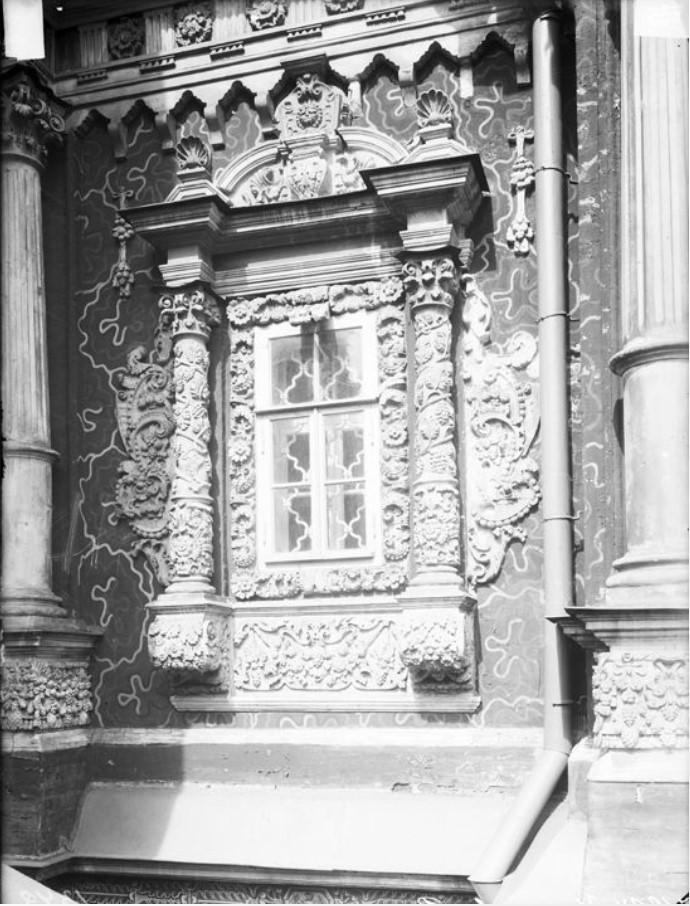 Церковь Рождественская (Строгановская). Окно