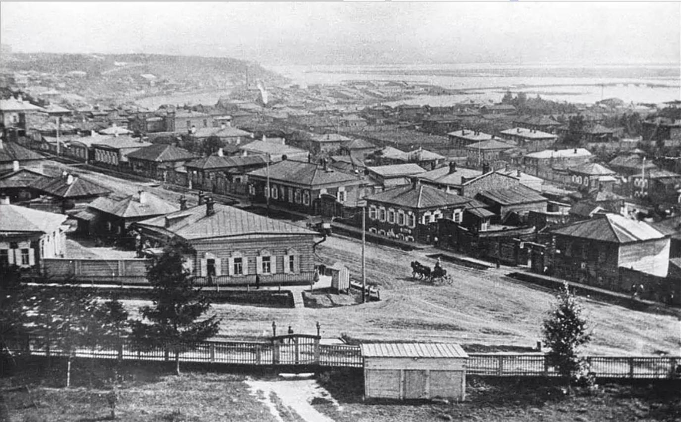 Вид с Крестовоздвиженской церкви на стрелку Гл. Иерусалимской и С.-Амурской улиц
