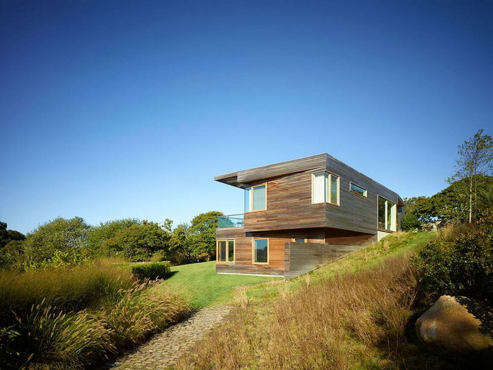 Сельский дом у виноградника с видом на Атлантический океан