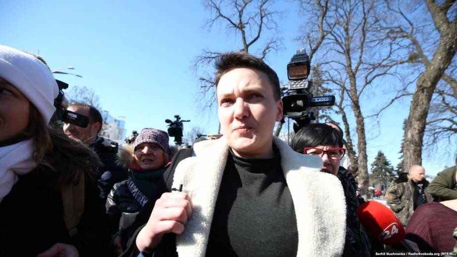 Определено время заседания, и судью, который будет рассматривать избрание меры пресечения Савченко