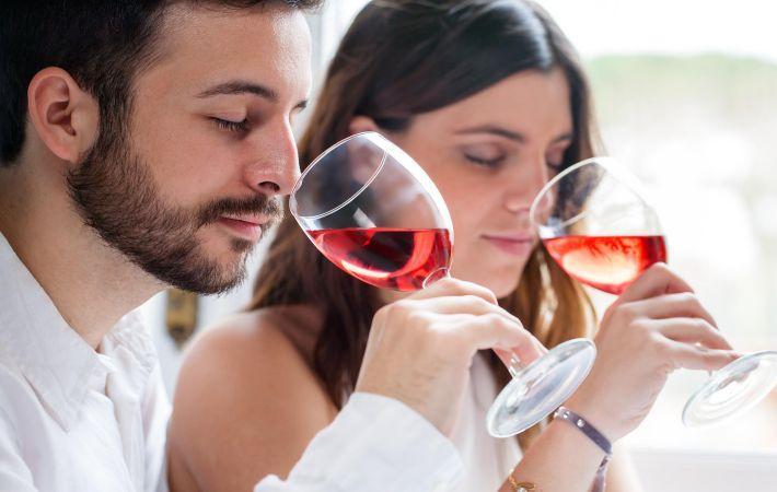 Ученые доказали, что вино защищает зубы идесна от болезней