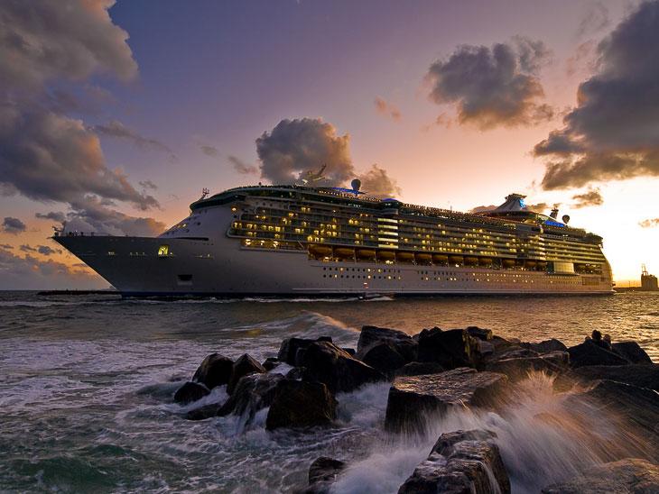 Фотографии и текст TravelWorld   Silja Line — легендарный бренд, финская паромная компания (осн