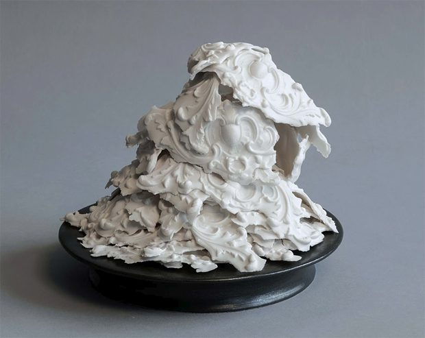Laurent Craste's Dramatic Porcelain Art