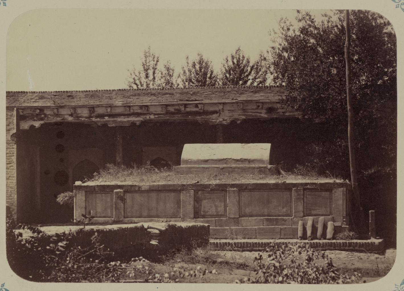 Мечеть Ходжа Абду-Берун. Гробница (сагана) святого