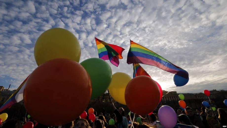 В Петербурге напали на ЛГБТ-активистов и журналистов
