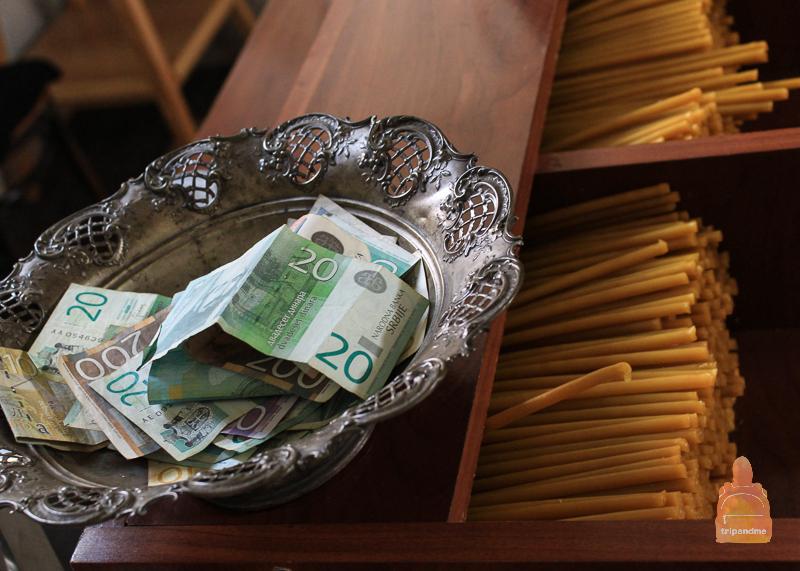 Свеча может стоить символических денег