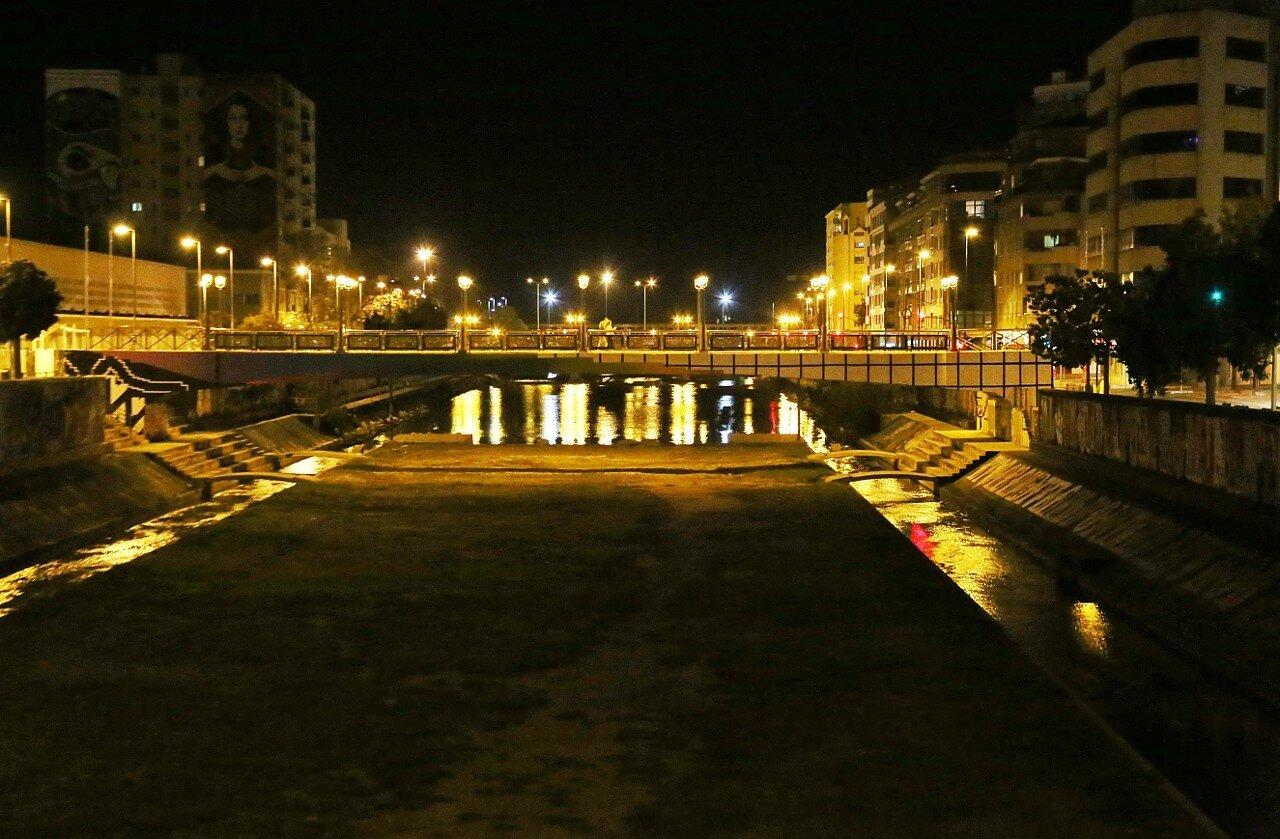 Ночная Малага. Река Гудальменина