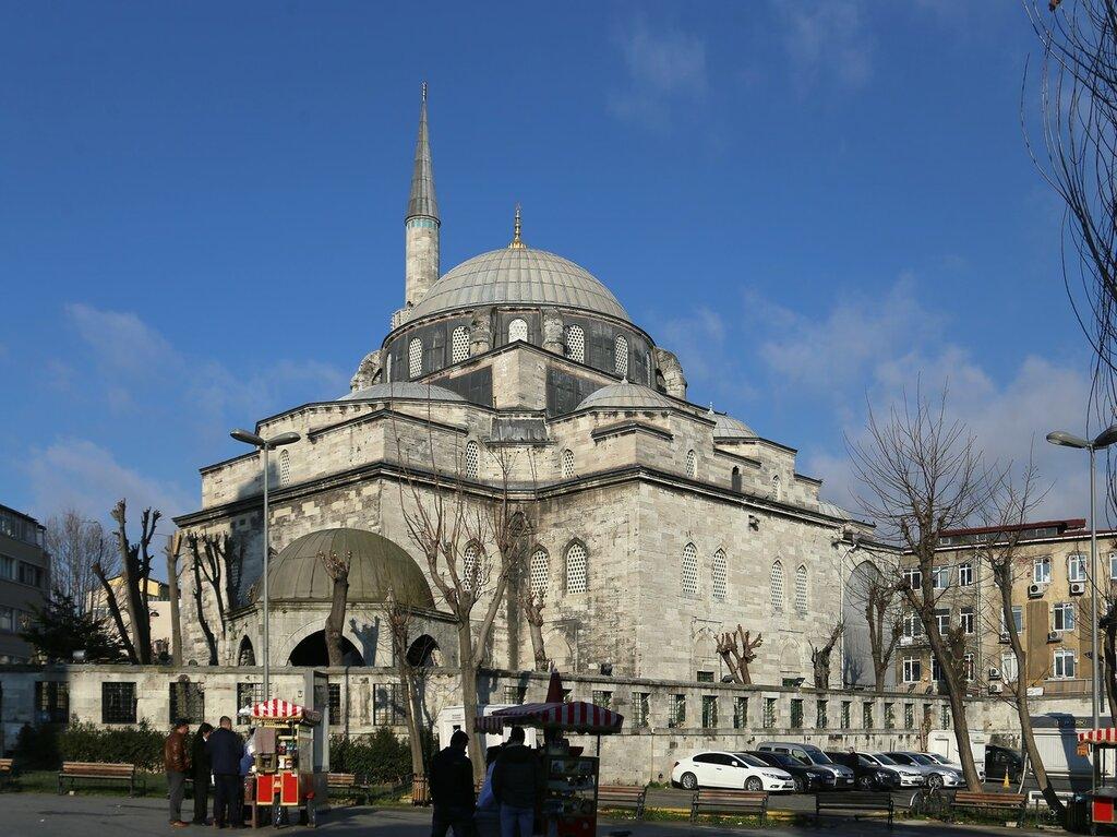 Стамбул. Мечеть Нуруосмание (Nuruosmaniye Camii)