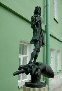 Памятник Гулливеру