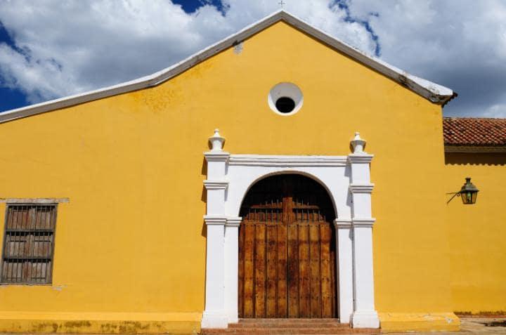 Порт Коро, Венесуэла. Под угрозой с 2005 года. Это один из первых колониальных городов в Венесуэле (
