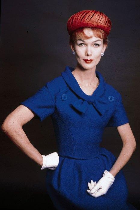 Не только странно, но и непрактично! 1960-е: колготки с принтом и платья беби-долл