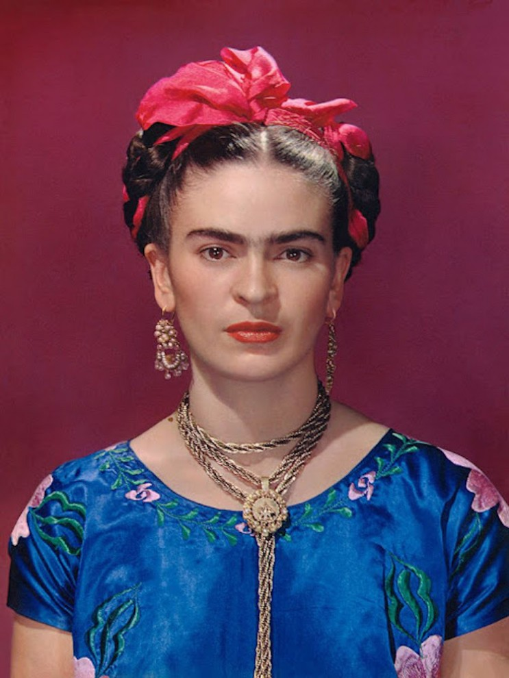 Цветные фотопортреты художницы Фриды Кало, сделанные её любовником