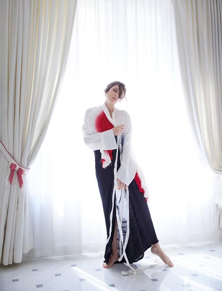 Марион Котийяр в Madame Figaro