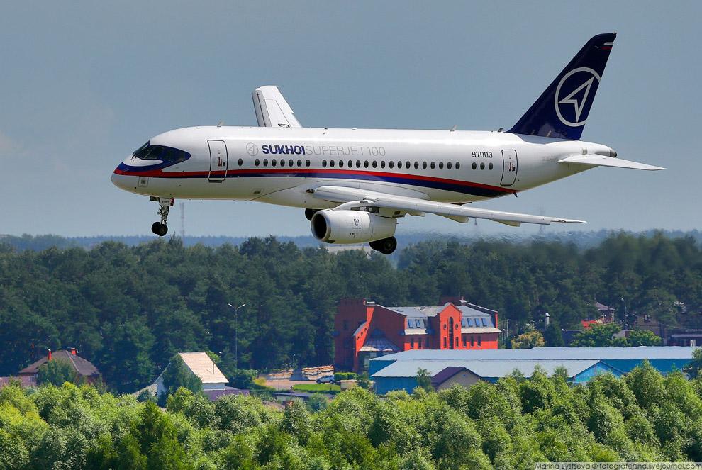 23. Длина взлетно-посадочной полосы на аэродроме Раменское составляет пять километров! Вообще,