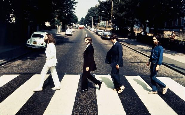 Большинство изнас видело фото сознаменитой обложки альбома Abbey Road. Носуществуют идругие сним