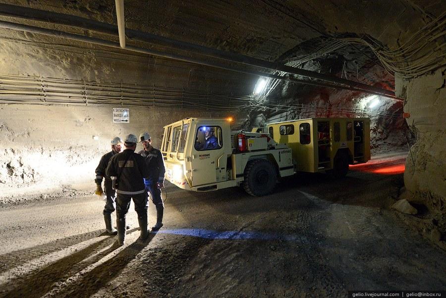 Развитая система подземных дорог в рудниках исчисляется тысячами (!!!) километров .
