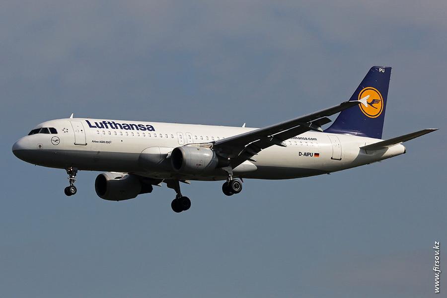 A-320_D-AIPU_Lufthansa_zps6668c562.JPG