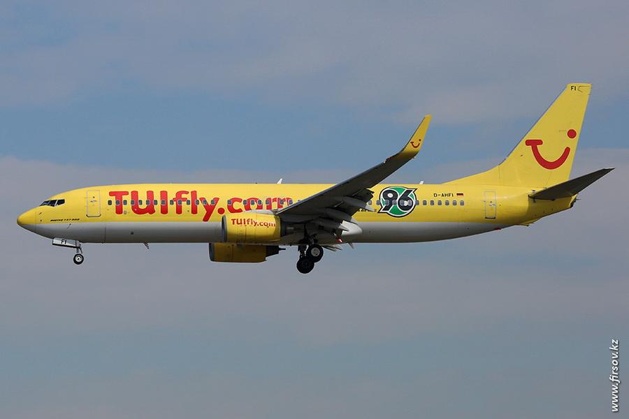 B-737_D-AHFI_TUIfly_zps5d9c8d86.JPG