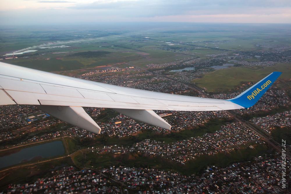 B-737_UR-PSD_Ukraine_International_Airlines_6_ALA_ .JPG