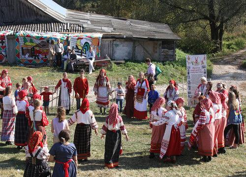 На фестивале фольклорных ансамблей