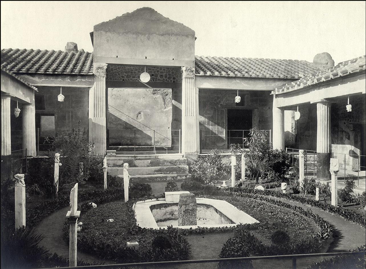 Дом Позолоченных амуров
