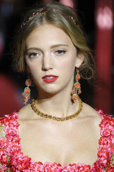 Eleonore+Von+Habsburg+Dolce+Gabbana+Secret+5HhuQoMj90ql.jpg