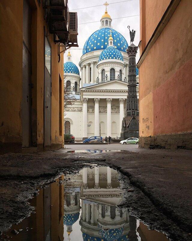 Питерские закоулки с видом на Троице-Измайловский собор