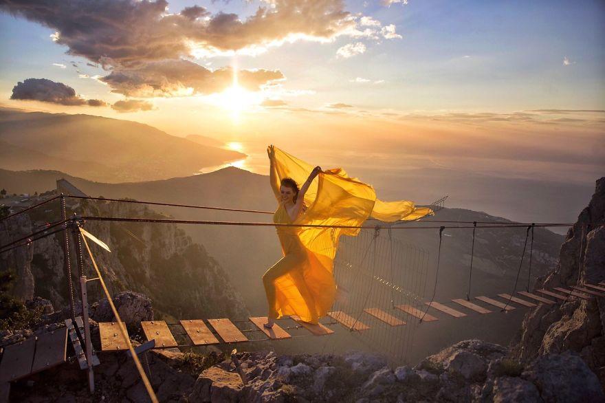Восход в горах, Россия.