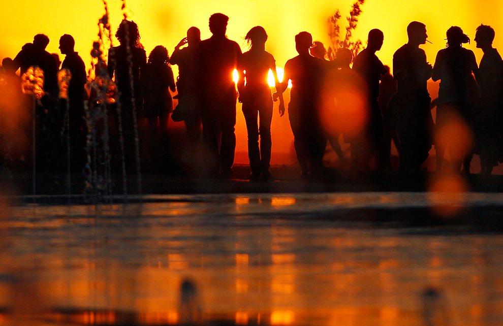 Поймать солнце на закате. (Фото Saleh Alfuraiji):