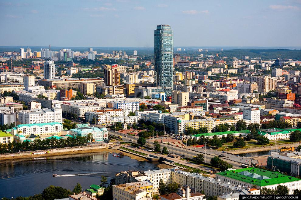 27.  Бизнес-центр «Высоцкий»  был сдан в ноябре 2011 года как часть комплекса «Антей»