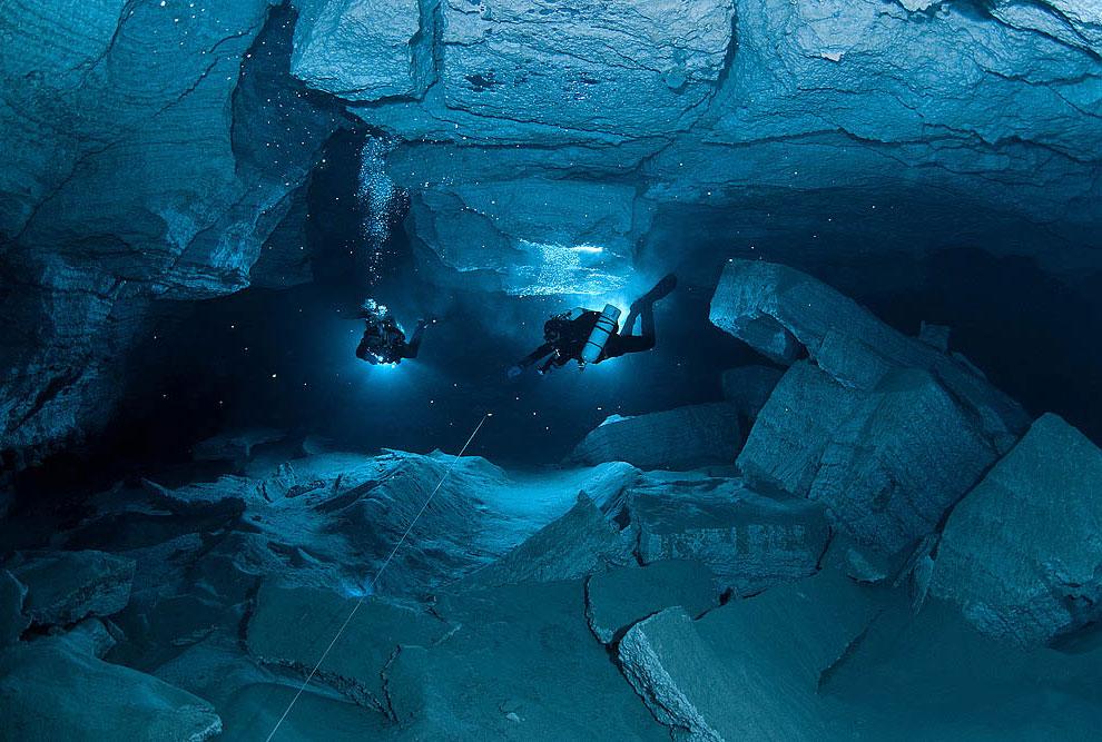 море пещеры подземелье