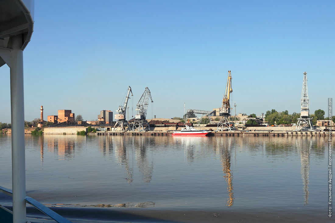 Волга в Астрахани