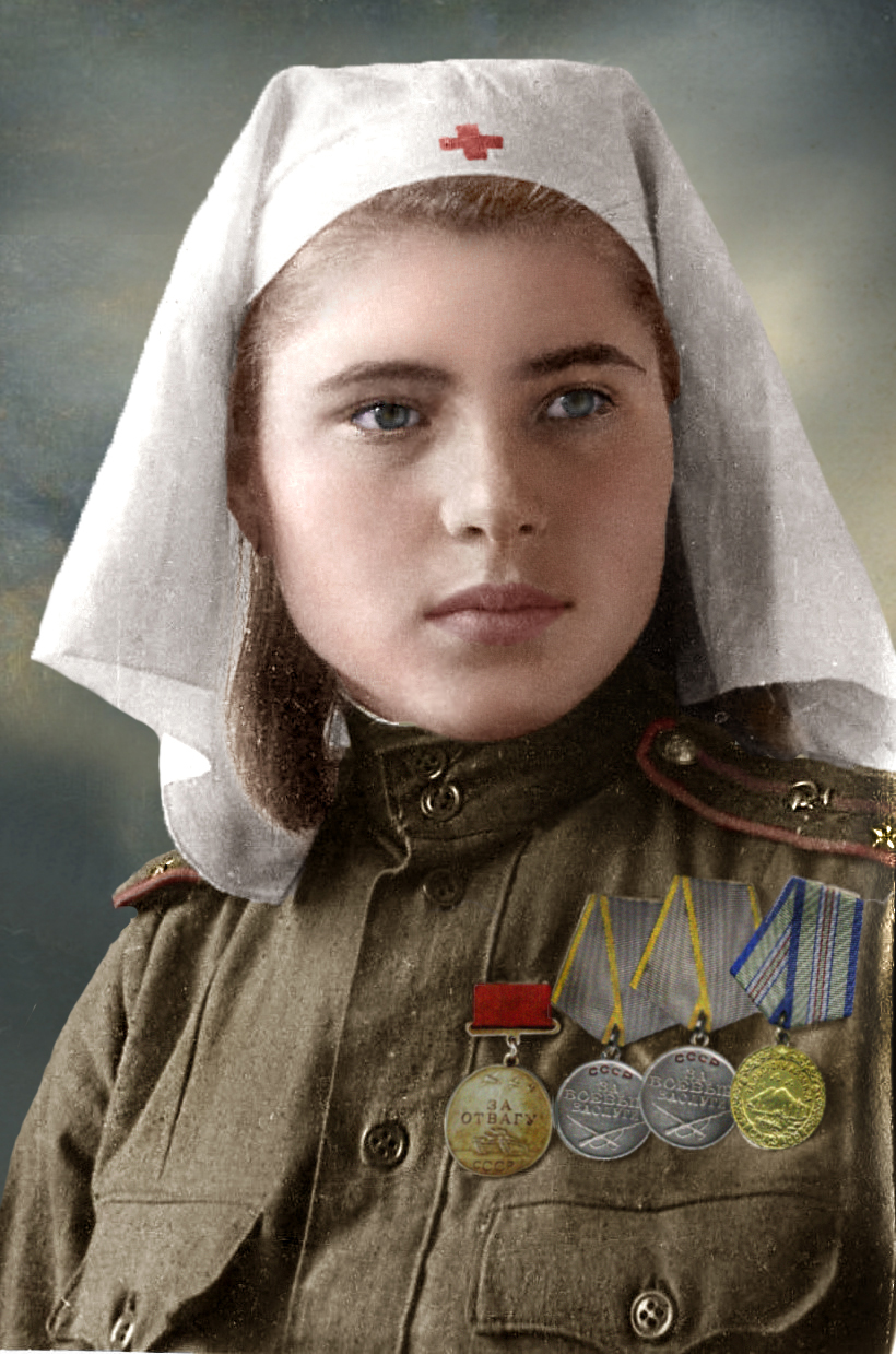 female_lieutenant_in_medical_services__1944_45_by_klimbims-d6hv7br.jpg