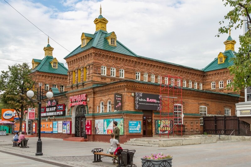 Здание бывшего Мясного пассажа на Московской улице