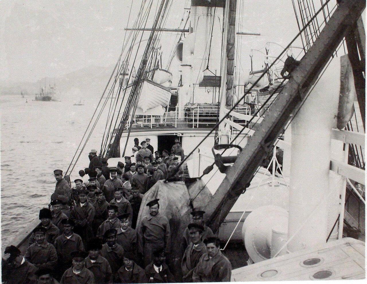 30. Больные на палубе парохода «Царица». Япония, Нагасаки. 1901