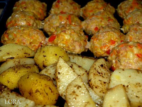 Курино-овощные котлеты и картофель по-деревенски