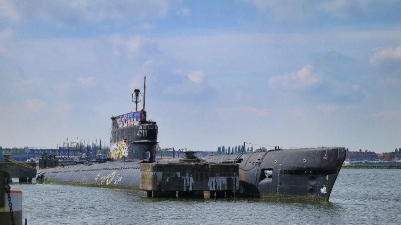 Defunct-submarine-NDSM-Werf-Amsterdam-800x450.jpg