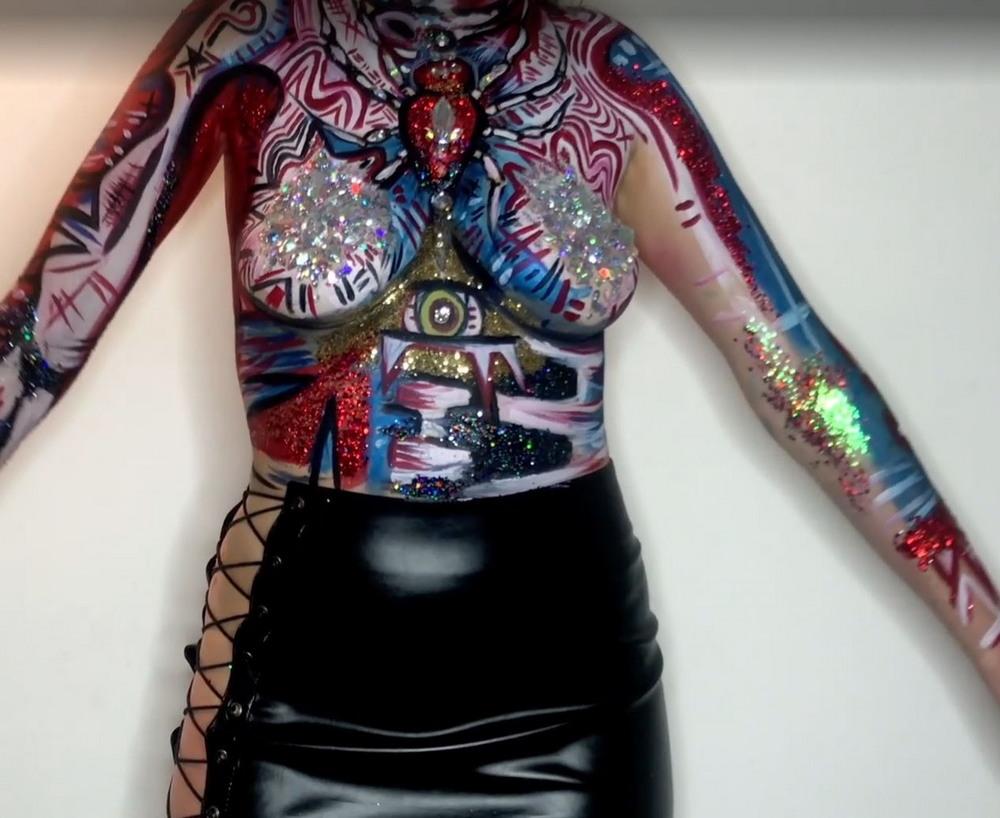 Блестки и краска: оригинальный костюм на Хэллоуин