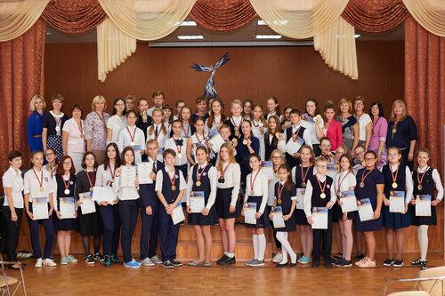 Вручение медалей победителям Международной олимпиады по основам наук