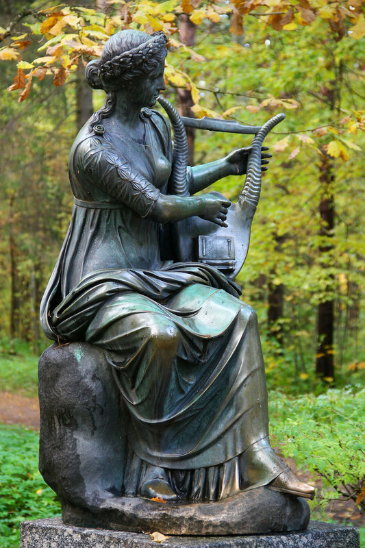 Статуя Терпсихора в Павловском парке