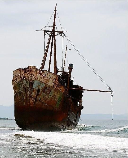 0 182bf6 b77ffc2b orig - На мели: фото брошенных кораблей