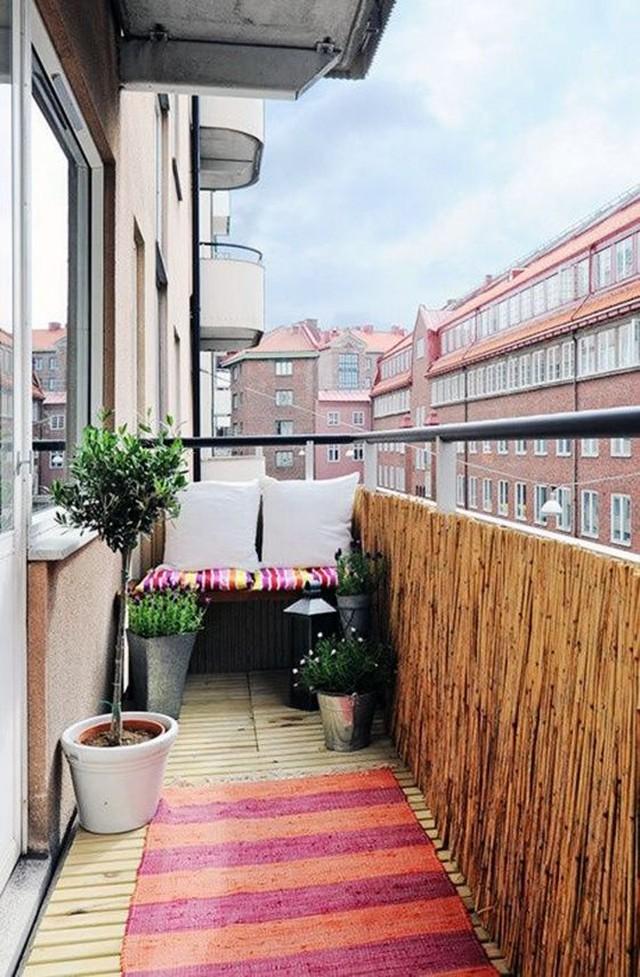 2. Прежде чем заняться дизайном балкона, необходимо привести его в порядок. Нужно избавиться от лишн