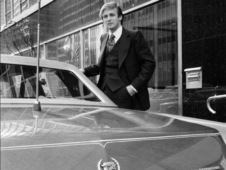 Дональд Трамп у своей машины, 1980-е годы.