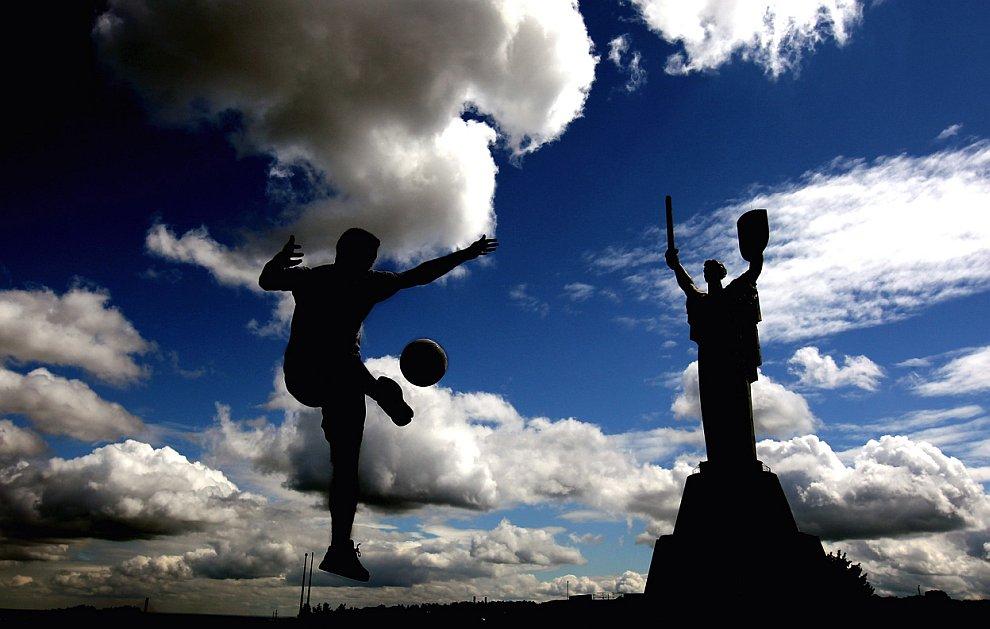 Силуэт аквалангиста. Гавана, Куба, 24 января 2012. (Фото Pablo Sanchez | Reuters):